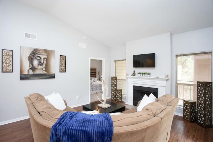 Temporary Housing | 360 Overlook | Luxury 2B Condo