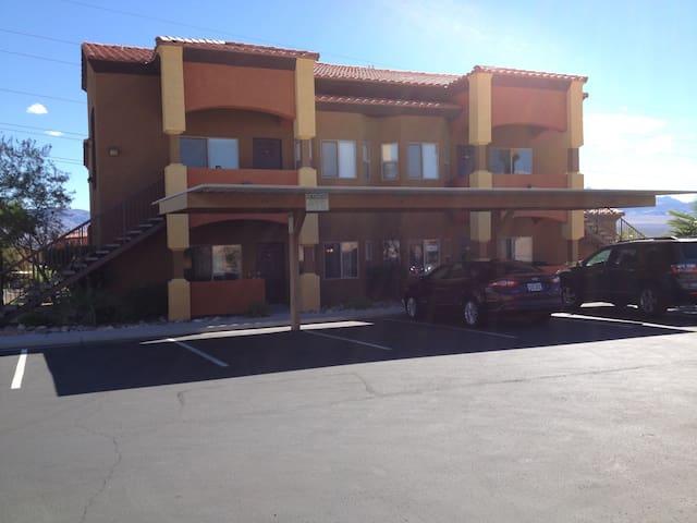 Golfers Getaway #2 Sleeps 6 - Mesquite - Appartement en résidence