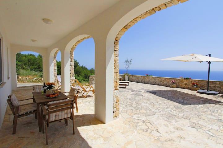 Rif. 650 Villa del Mare