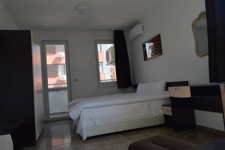 Comfortable apartment for 2 people- B5