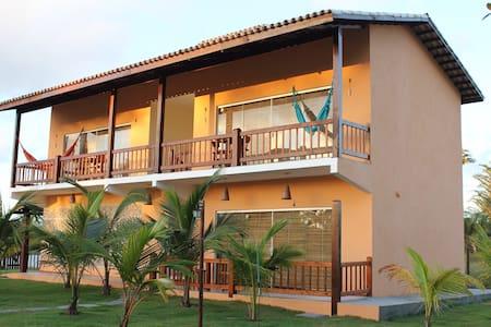 Flat confortável a 150m da praia da Bombaça - Barra Grande