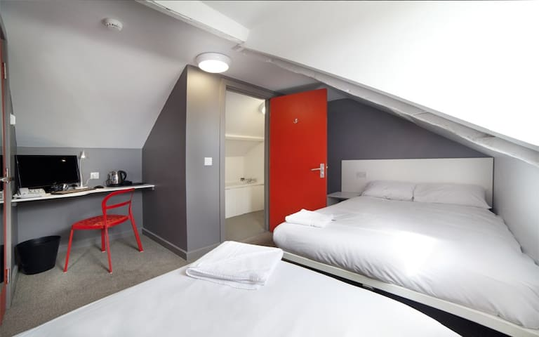 En-Suite Triple Room