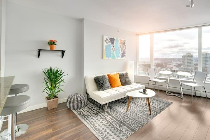 Stylish Modern Trendy Area 1 Bedroom/Den