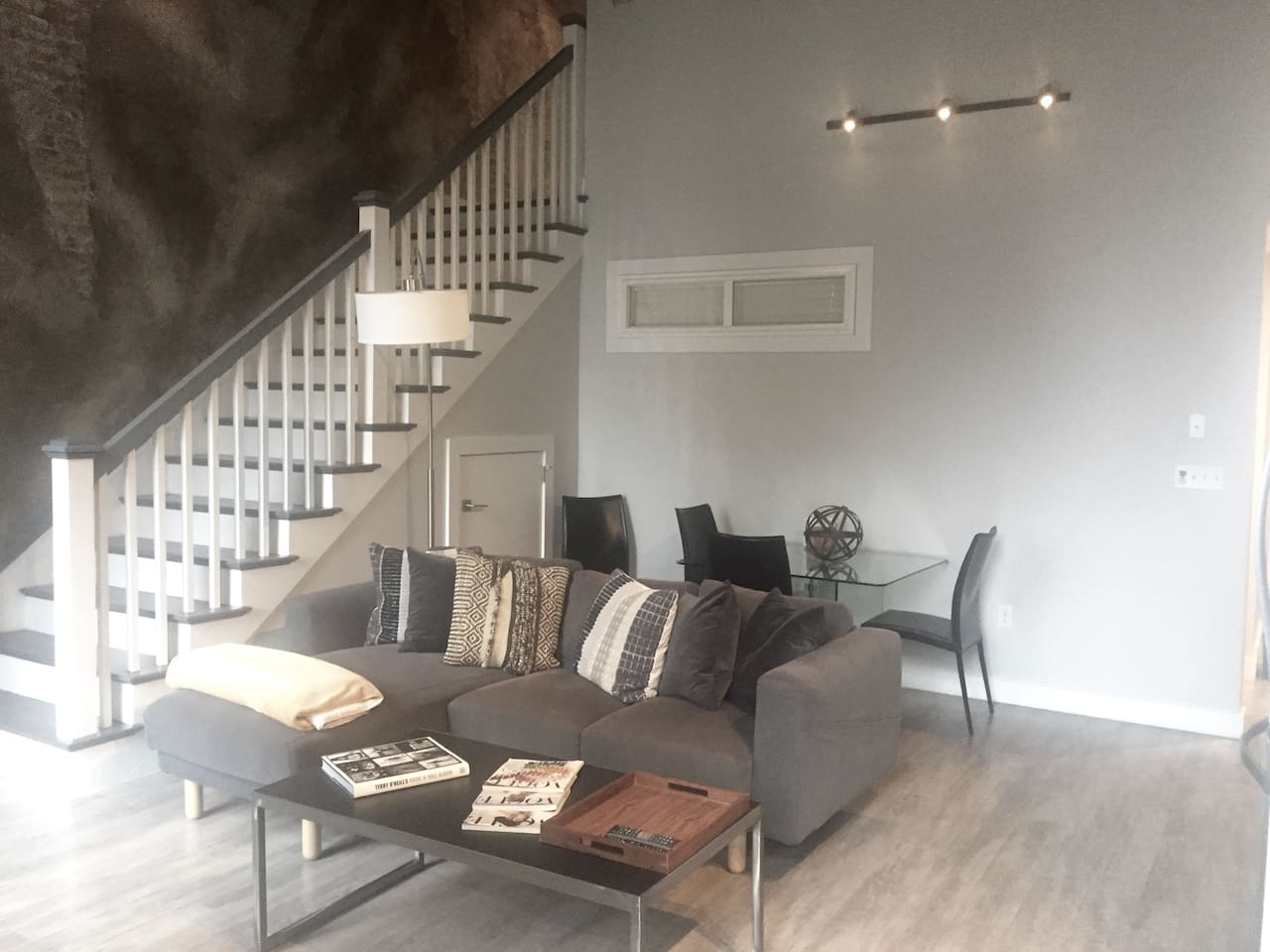 Everything you need! Duplex with high ceilings + Cable + Wifi + Apple Tvs + 2 Full Baths