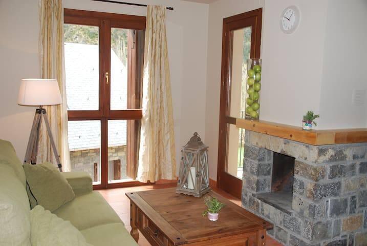 PirineoNature Apartment - Arbol