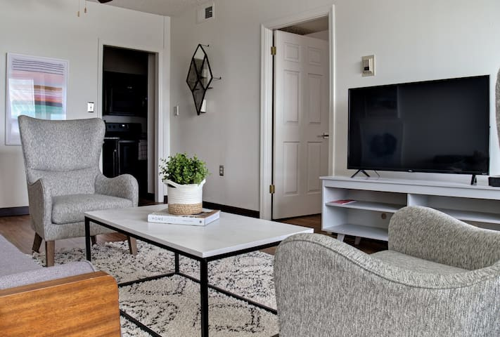 1 Bed/1 Bath- Midtown- Overton Square/Beale St 905