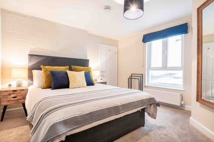 Heart of St Ives | Newly Renovated | 5 min 2 beach
