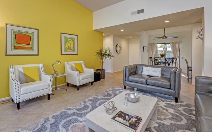 Mid-century 2 bed 2 bath condo at The Rose Garden