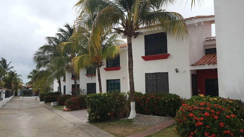 Tonwhouse en Chichiriviche Bahia Paraiso I
