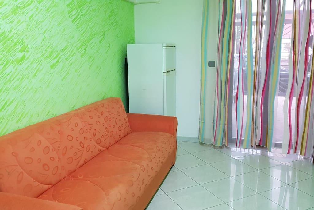 angolo relax in cucina, divano letto (una piazza)