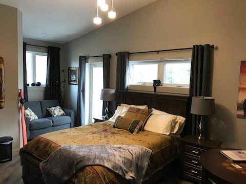 Slippery Slopes BnB - Room 2 315 Ash St, Valemount