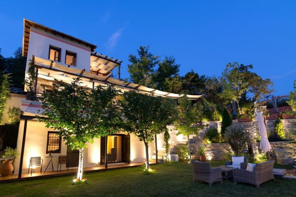 The property combines many traditional elements with several modern amenities.