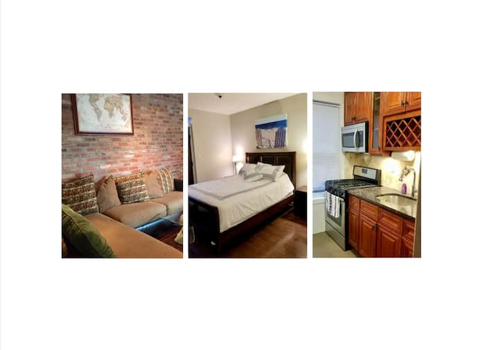 Beautiful urban 2BR with private deck and yard!!!