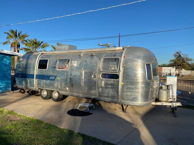 Quirky Restored Airstream near downtown & Gem Show