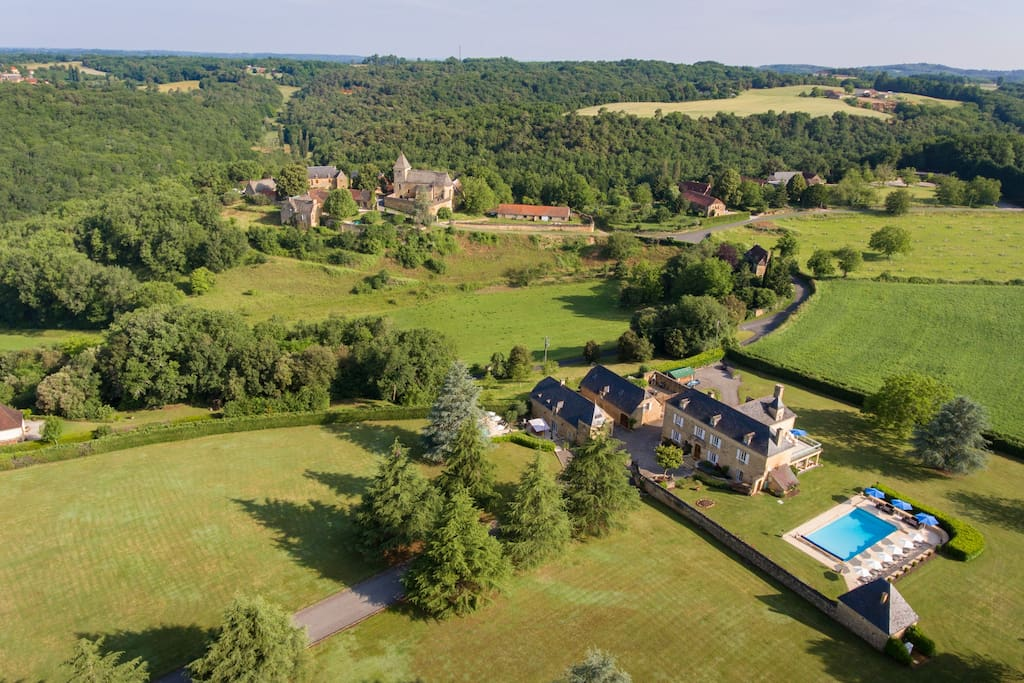 Stunning setting for Les Charmes de Carlucet Manor house and holiday cottage. Both with private pools, near Sarlat