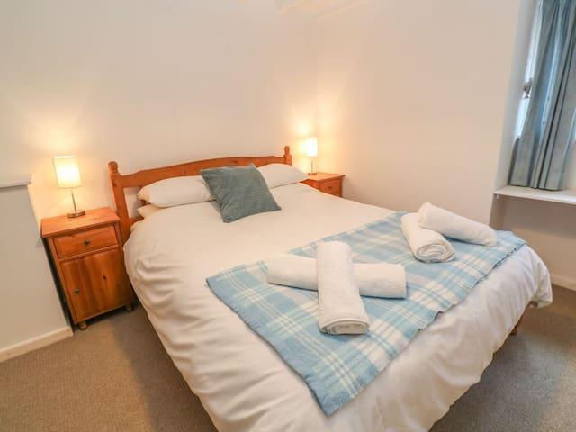 Cove Cottage Kind Size Bedroom