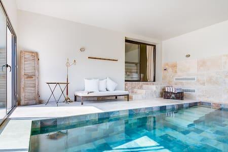 Villa Celestine - 10 Pers - piscine int. chauffée