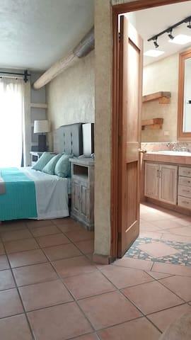 Casa para 3 a 8 personas - Aguascalientes - Dom