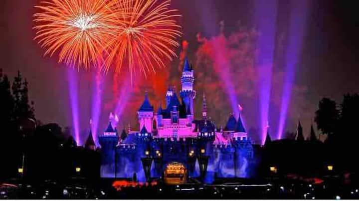 Watch Fireworks on Balcony 2Miles to Disneyland