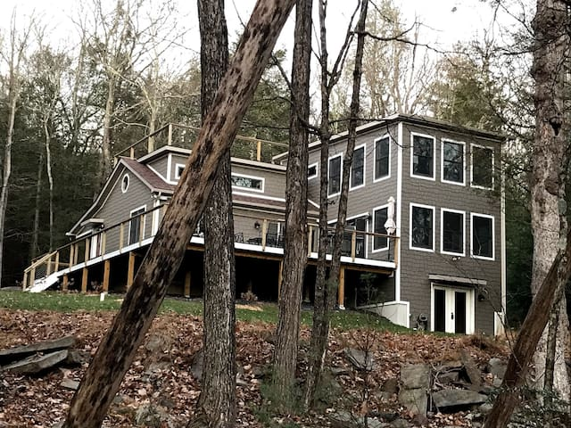 New Modern Home/100 m. NYC/Catskills Delaware Riv.