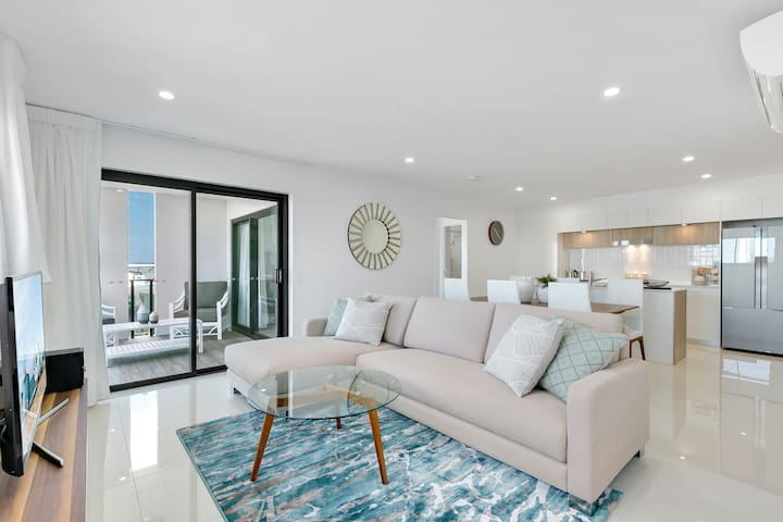 NEW 2 bedroom  apartment at Spice Broadbeach
