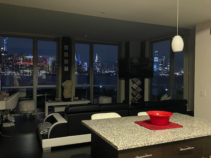New apt with spectacular NYC Views