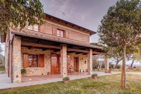 Casa Enrica nel cuore della campagna toscana.