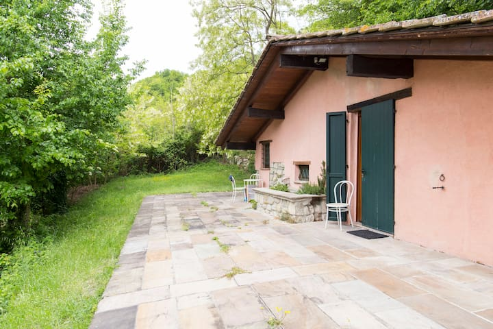 CHALET IN THE HISTORICAL MONTESOLE PARK - Marzabotto - Houten huisje