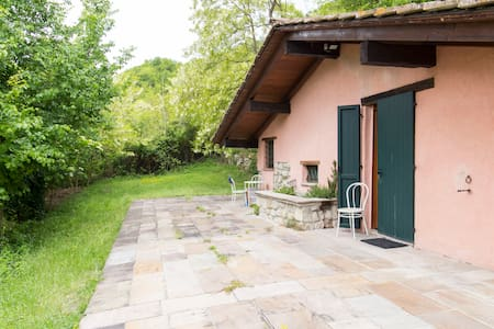 CHALET IN THE HISTORICAL MONTESOLE PARK - Marzabotto - 小木屋