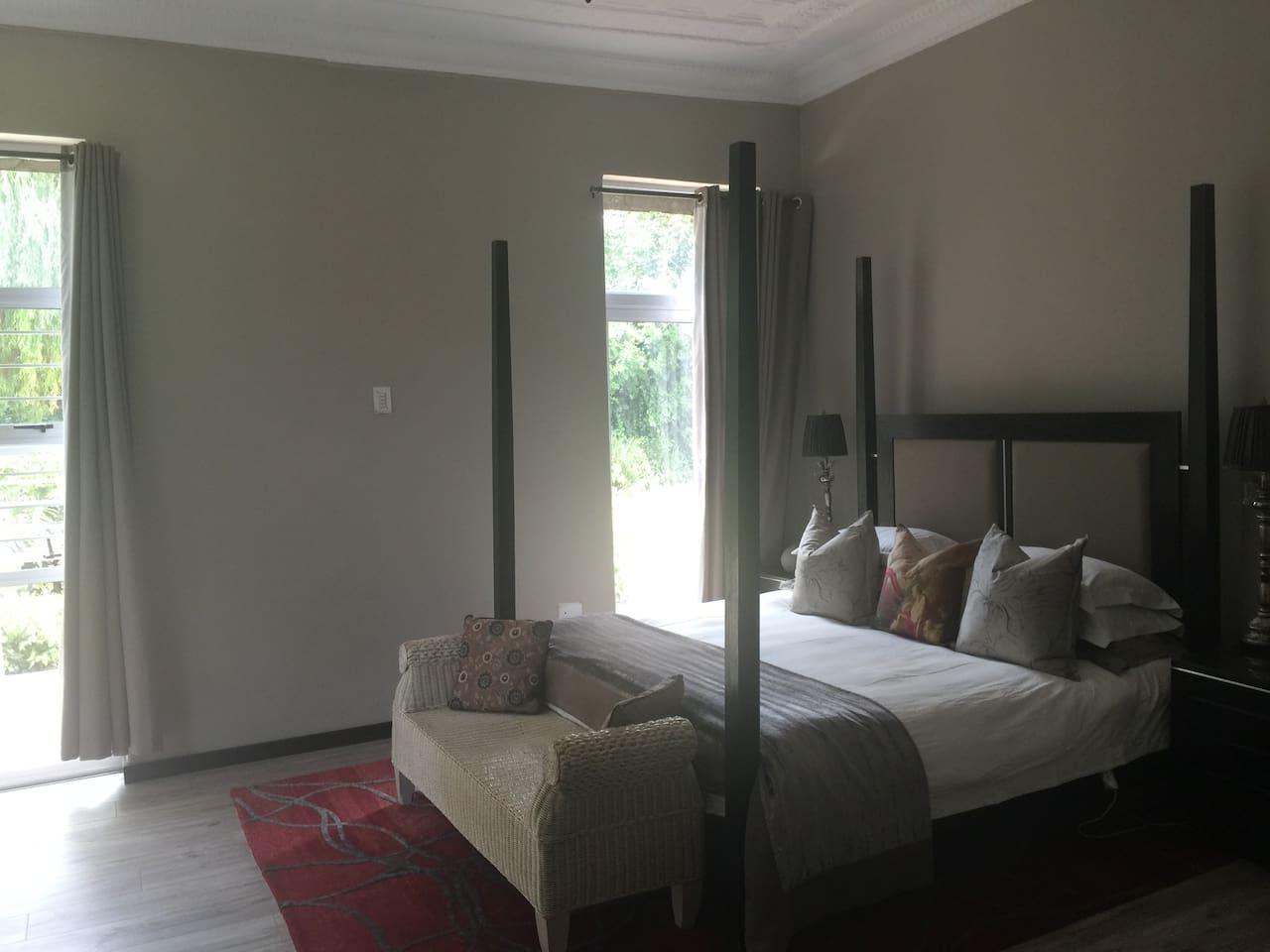 Spacious bedroom with bathroom ensuite