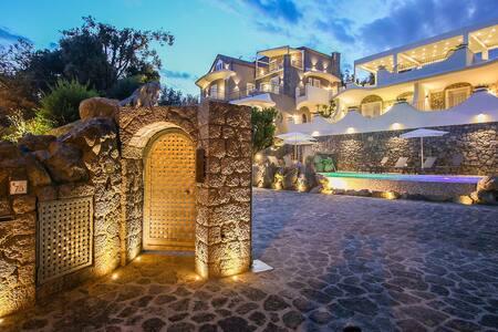 Luxury appartament in Villa Caruso