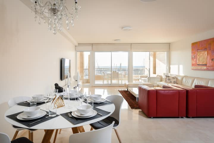 Luxury sea facing apartment