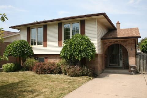 Cozy 3 bedroom Bungalow in St. Catharines