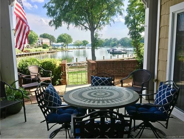 Lake Norman Condo Retreat *NEW to AIRBnB!*