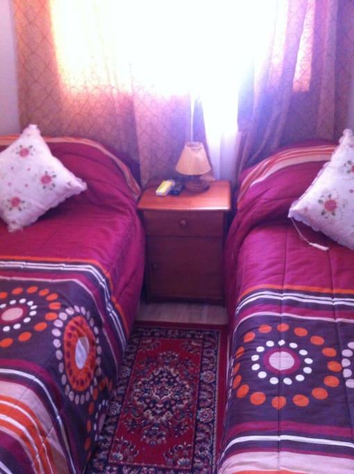 Dormitorios con camas equipadas