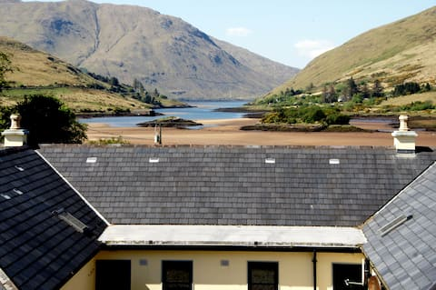 Leenane, Connemara, 2 bed, 2 bath 'Falls' cottage