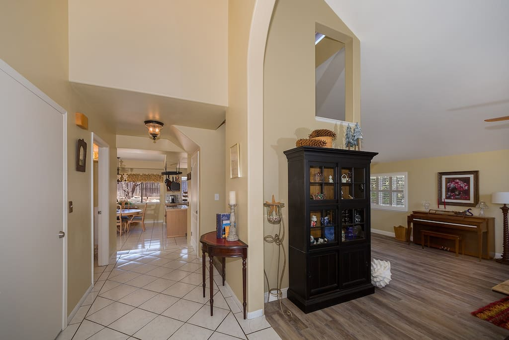 Beautiful entryway with vaulted ceilings