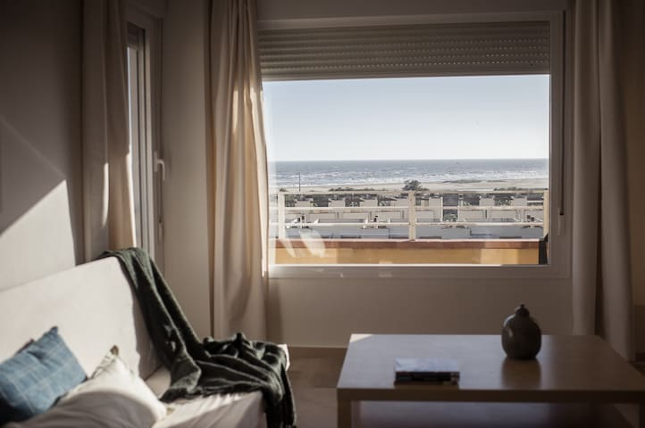 Beach apartment with great views to the sea.