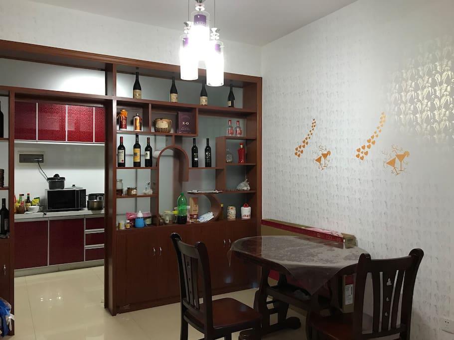 厨房、餐厅