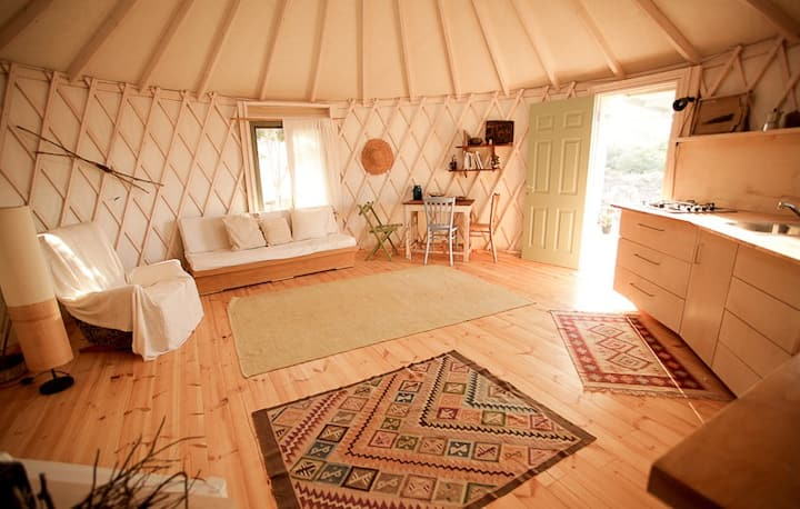 Mountain View Yurt Klil