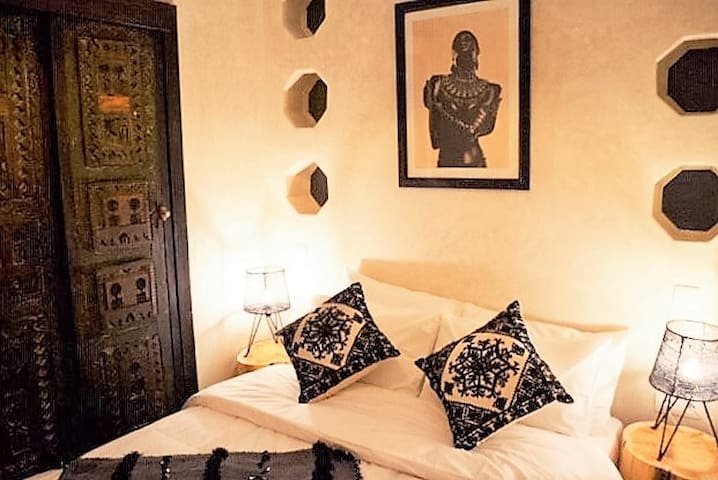 Double Room With Private Bathroom And Breakfast