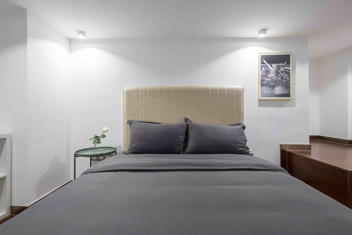 舒适床品 每客干洗 给您舒适的入住体验