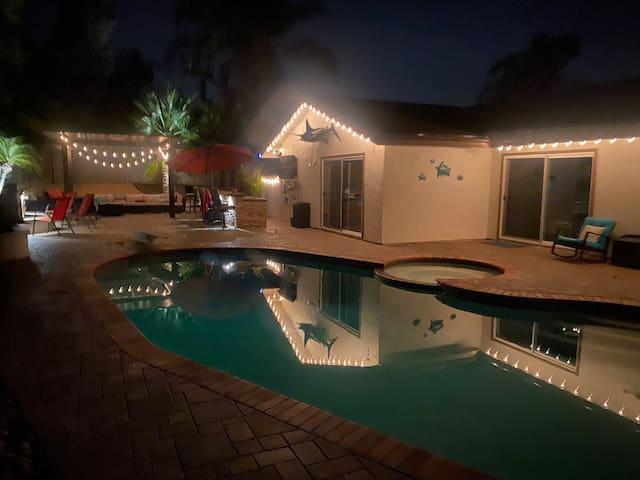 Private Room w/Backyard Oasis-Pool, Spa, Bar, Golf