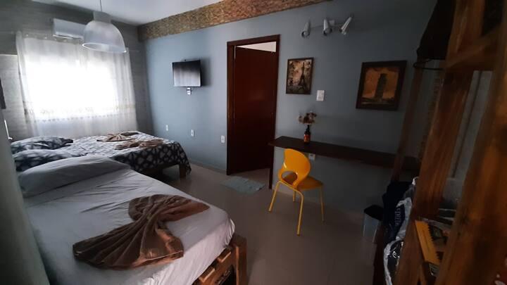 Suíte Família - Casa da Maga Hostel e Pousada