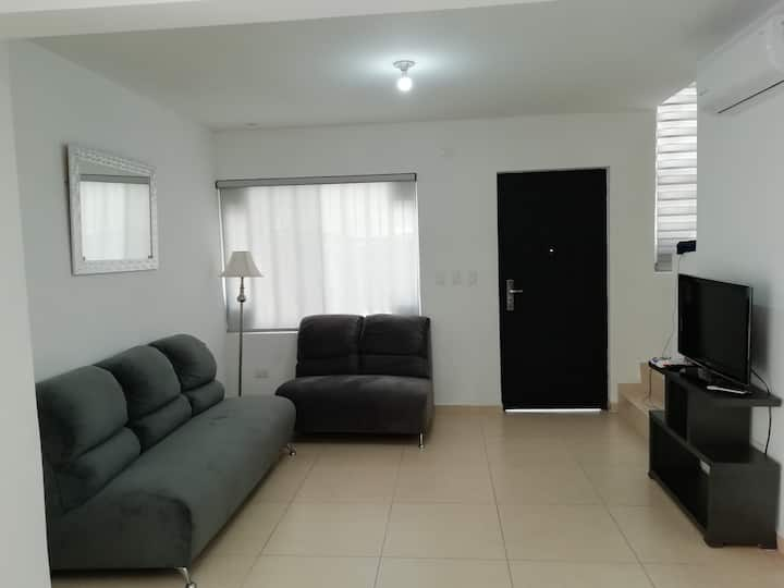 Casa a  20 min de Parques Ind Apodaca NL y Airport