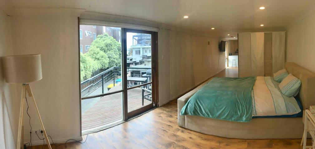 Open Plan Loft with Balcony