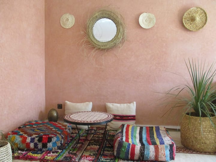 ´At home MarraKech' with swimming pool & parking