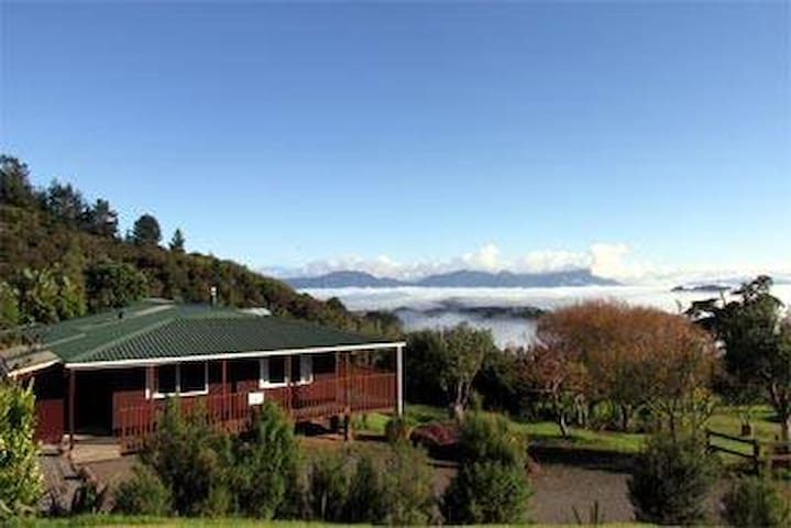 Panoramic Vistas of the Hokianga - Okopako Lodge