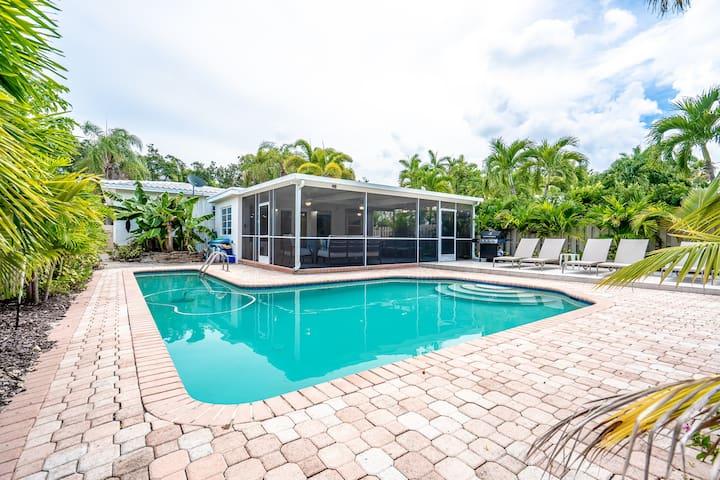 Modern Monroe Spectacular 4/2 For 10, Heated Pool