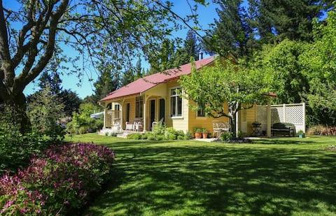 Leader Valley Cottage